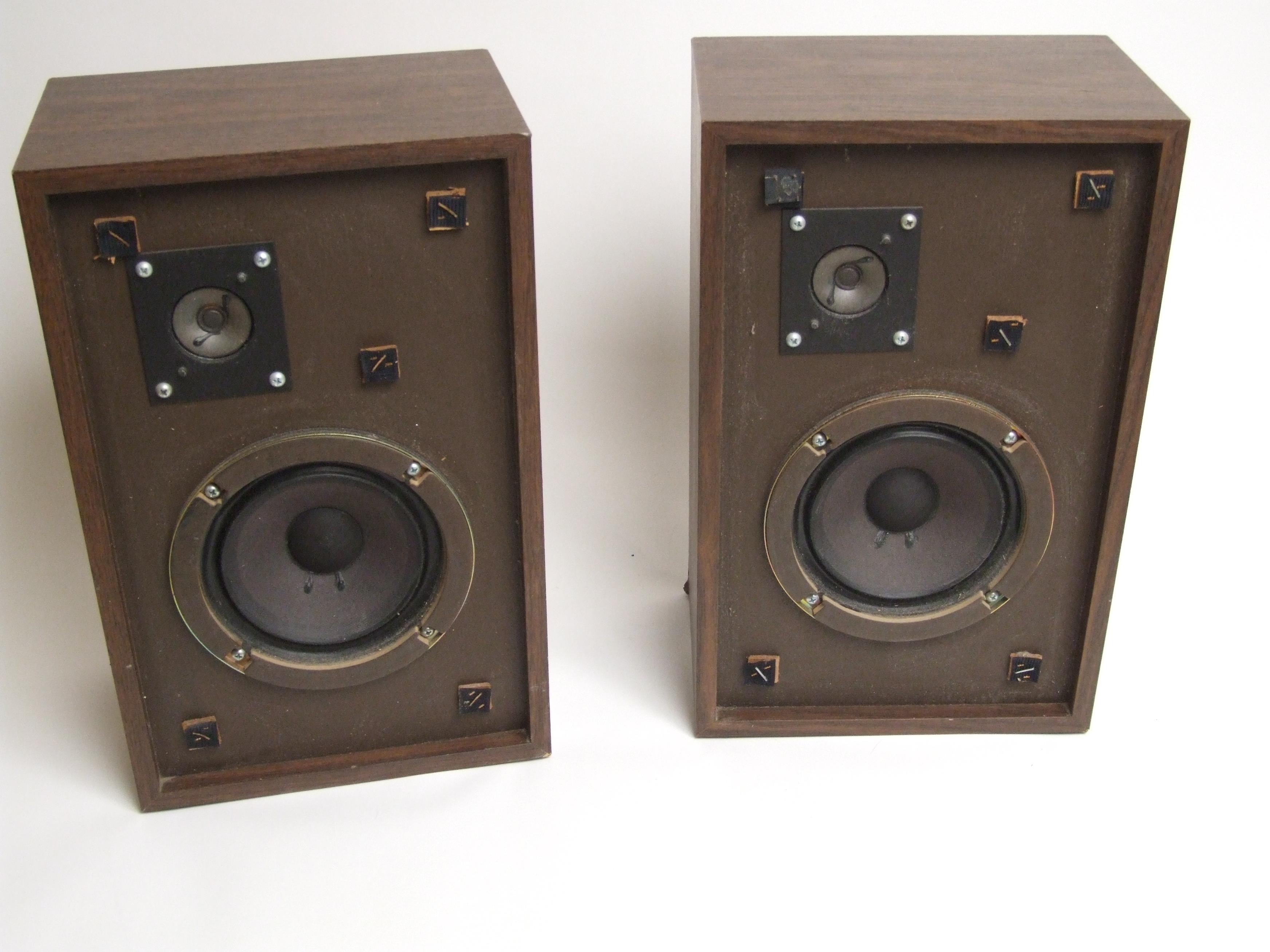 Advent 3 Acoustic Suspension Loudspeaker System