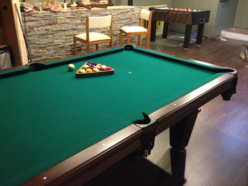 Moving and re-felting a pool table – Step by Step