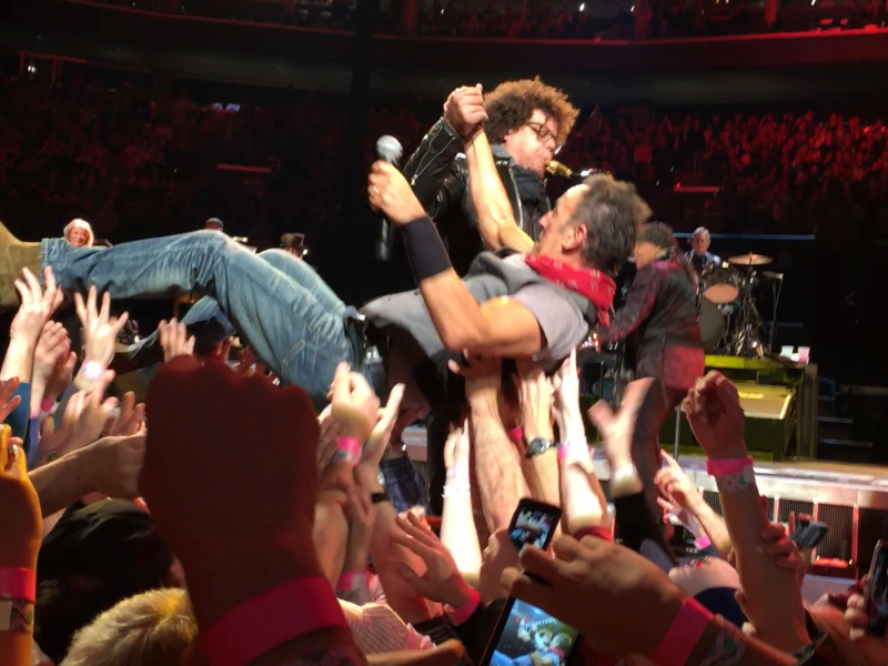 Bruce Pics from the Pit – Buffalo NY