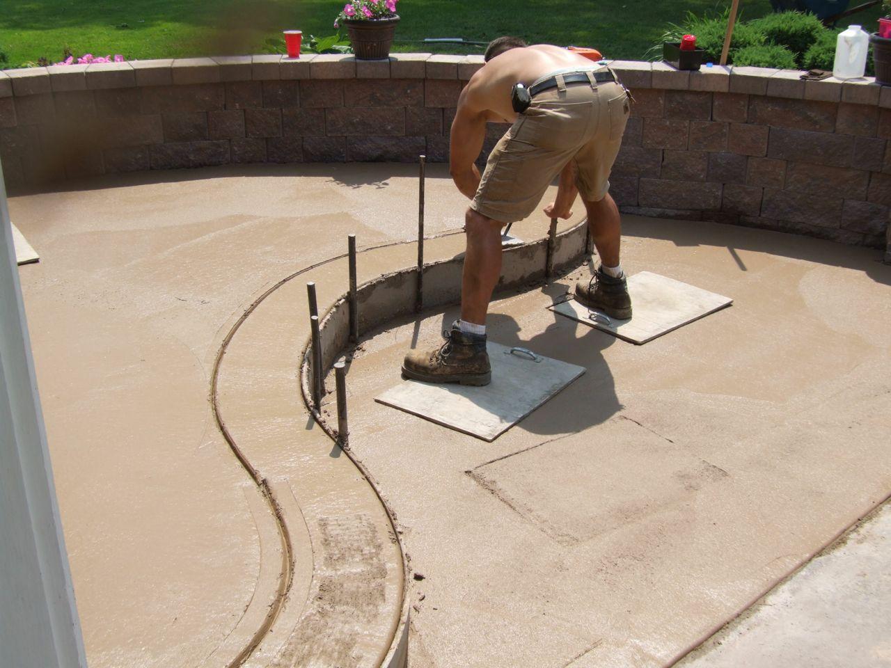Pouring a stamped concrete front porch part 4